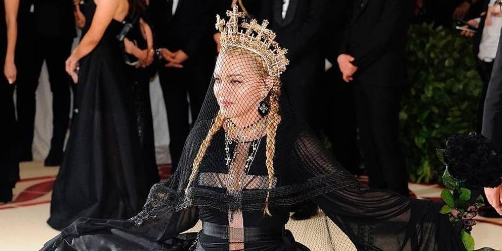 Spotted: Madonna Mengenakan Aksesori Rinaldy A. Yunardi