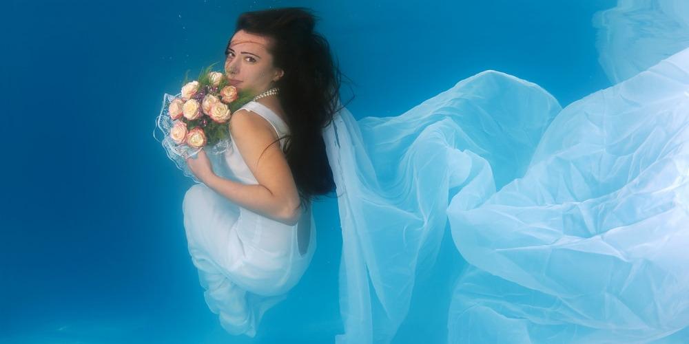 Tips Foto Pre-Wedding di Bawah Air