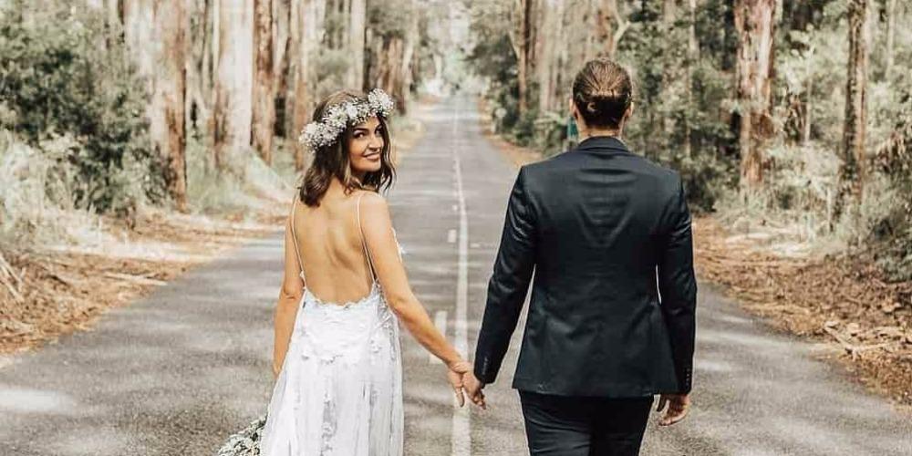 Tips Mengenakan Mahkota Bunga Pada Hari Pernikahan