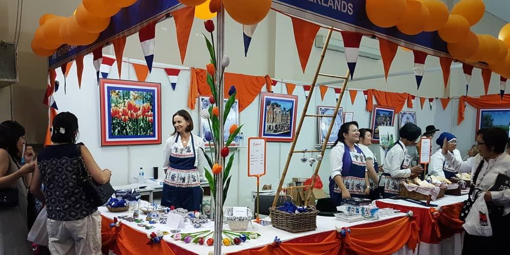 Women's International Club Kembali Adakan Bazar Amal