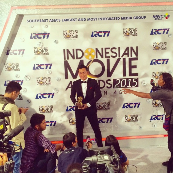 Arifin Putra Raih Penghargaan Indonesian Movie Awards 2015