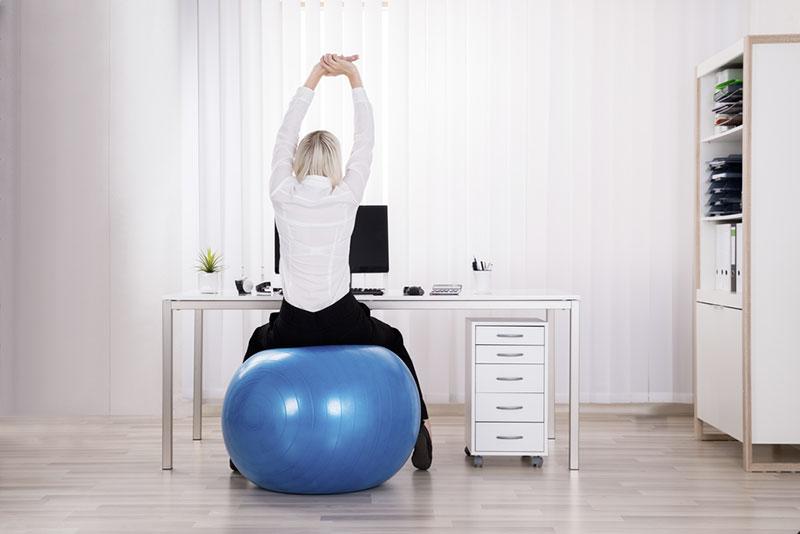 Cara Menyempatkan Olahraga di Kantor