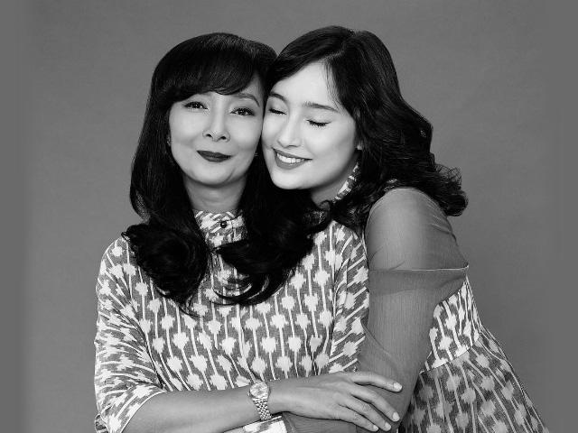 Wardah Rayakan Hari Ibu Bersama Brand Ambassador-nya