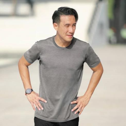 Daniel Mananta Selesaikan Full Marathon Bersama UNIQLO
