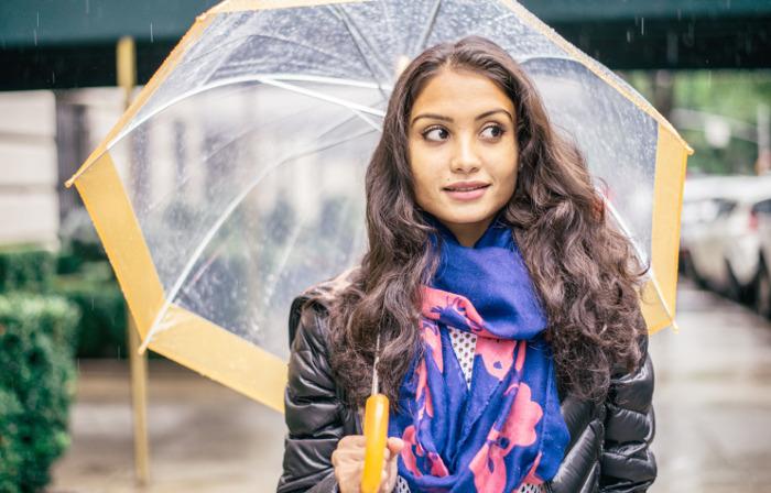 Menyiasati Rambut Cantik di Musim Hujan