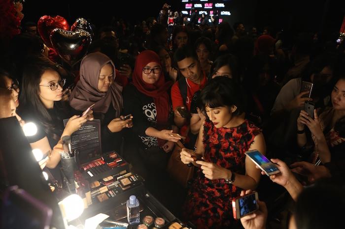 Dian Sastrowardoyo Memilih L'oréal Infallible Makeup