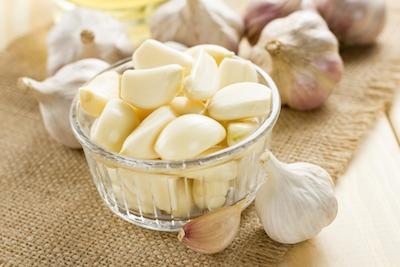 7 Manfaat Makan Bawang Putih Secara Rutin