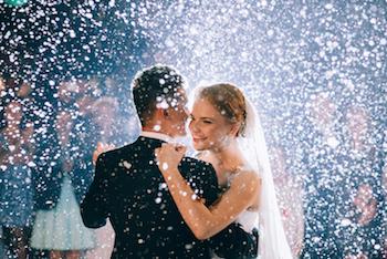 Alasan untuk Tidak Mengundang Banyak Tamu ke Pernikahan