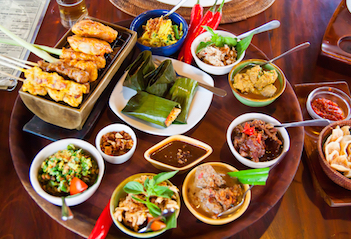 10 Makanan Khas Bali yang Harus Dicoba