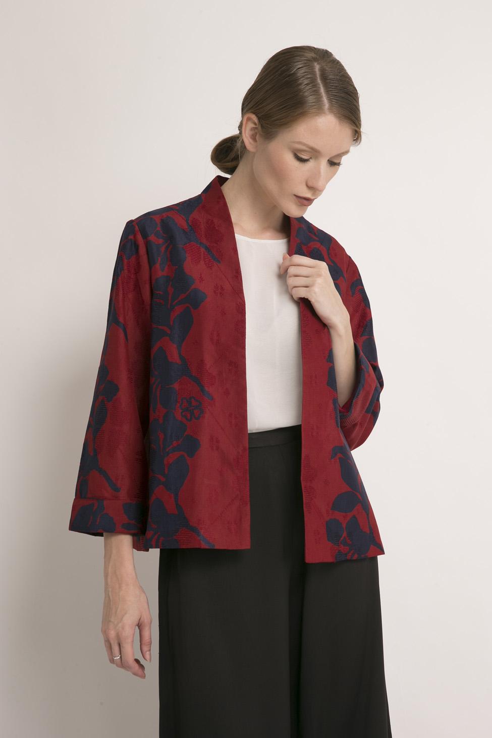 Batik Alleira Menghadirkan Koleksi Busana Imlek c2f627d25b
