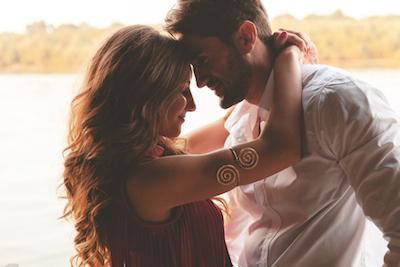 Cara untuk Kembali Jatuh Cinta Kepada Pasangan