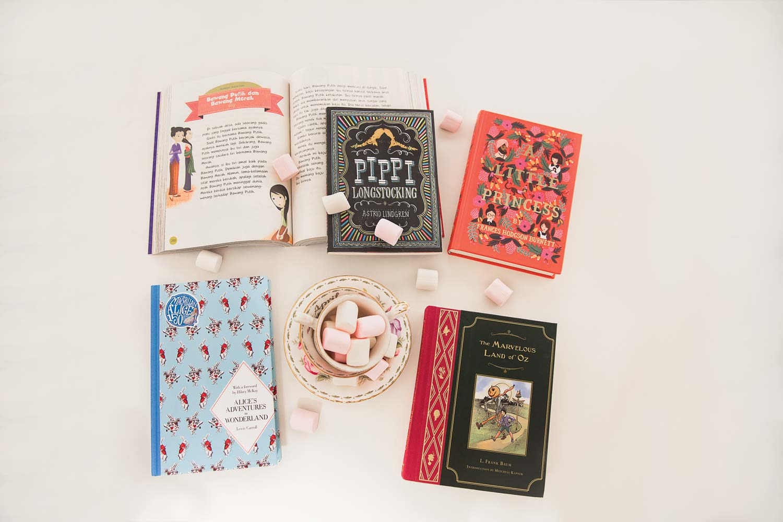 5 Buku yang Wajib Anda Baca di Malam Natal