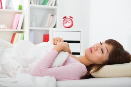 Tidur Terlentang Atasi Kerutan Wajah