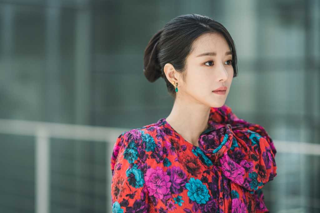 4 Gaya Makeup Seo Ye Ji Yang Bisa Ditiru