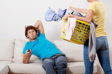 Tips Menghadapi Suami Yang Pemalas