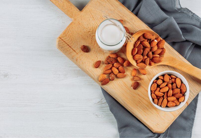 5 Manfaat Mengkonsumsi Susu Almond