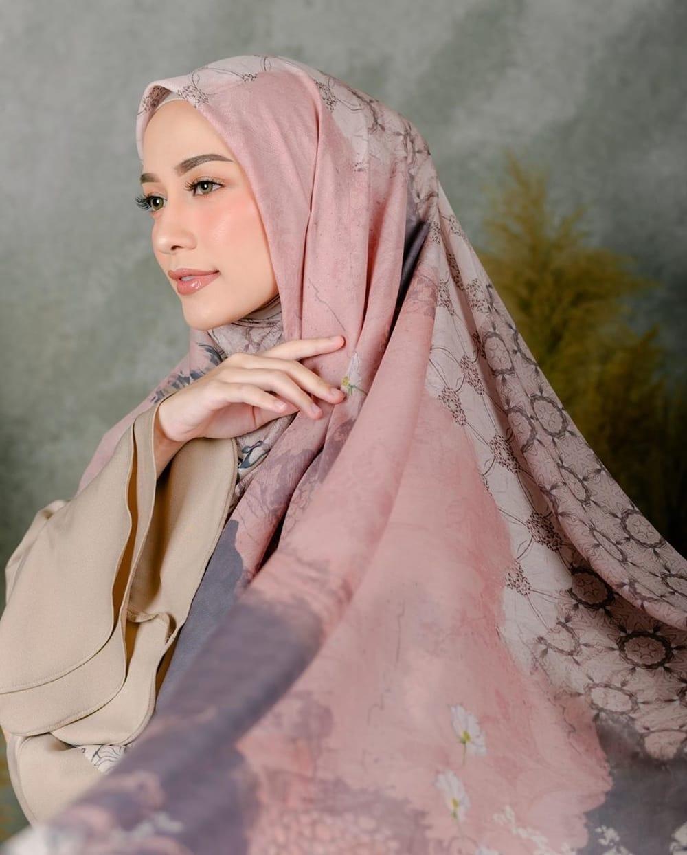 Rekomendasi Hijab Motif Yang Modis Untuk OOTD Ramadan