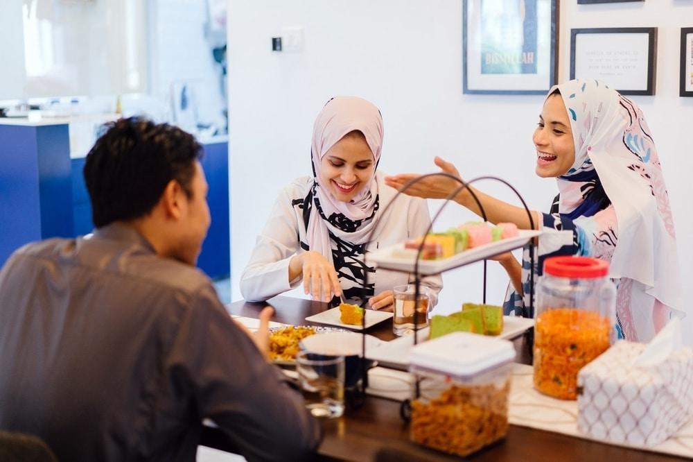 5 Tips Mudah Agar Tidak Mengantuk Setelah Makan Sahur