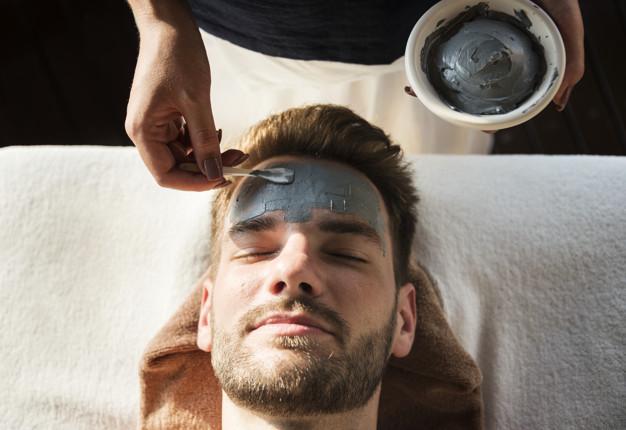 5 Rekomendasi Masker Berformula Arang untuk Lelaki