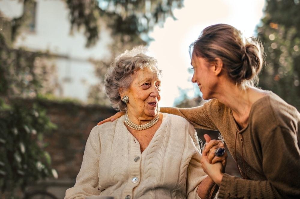 5 Cara Mudah Mengambil Hati Mertua
