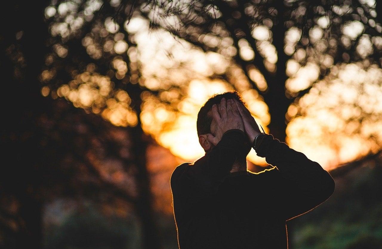 5 Alasan Pria Menyesal Setelah Memutuskan Hubungan