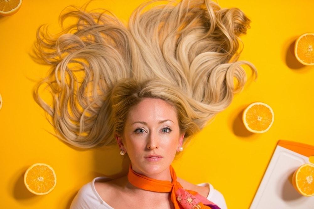 Cara Merawat Rambut Kering Dengan Bahan Alami Di Rumah