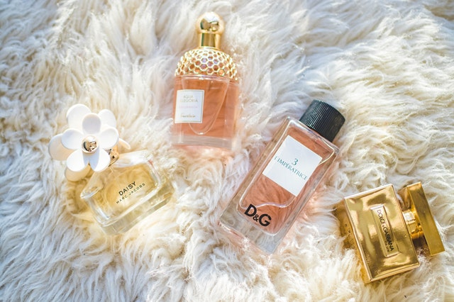 6 Parfum Wanita Yang Wanginya Lembut Untuk Kamu!