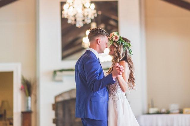7 Tanda Pria Siap Untuk Menikah Denganmu