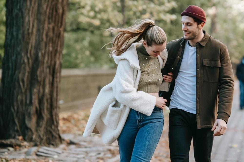Begini Cara Pria Introvert Menyatakan Cinta Kepada Wanita