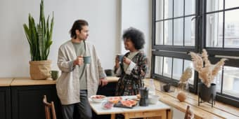 Tips Jaga Hubungan Dengan Pasangan, Menikmati Waktu Sendiri