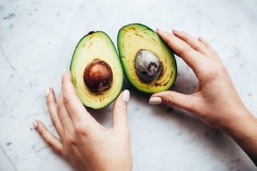 Jaga Kesehatan Rambut Dengan Mengonsumsi Makanan Ini