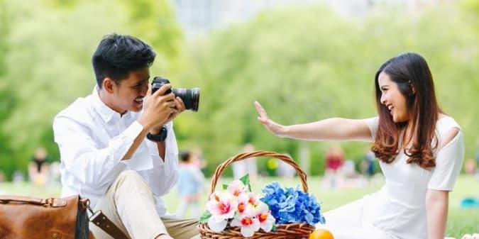 8 Inspirasi Foto Prewedding Bertema Alam Ala Selebriti