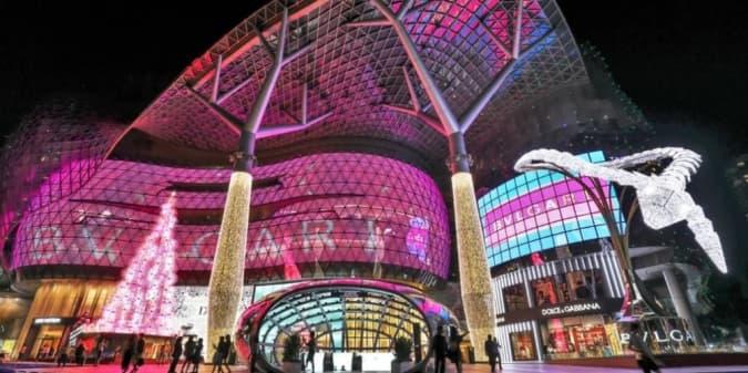 Bvlgari Light Up: Instalasi Lampu Raksasa di Singapura