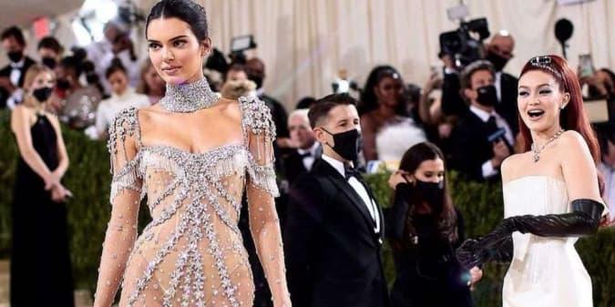 6 Penampilan Terbaik Para Bintang Hollywood di Met Gala 2021