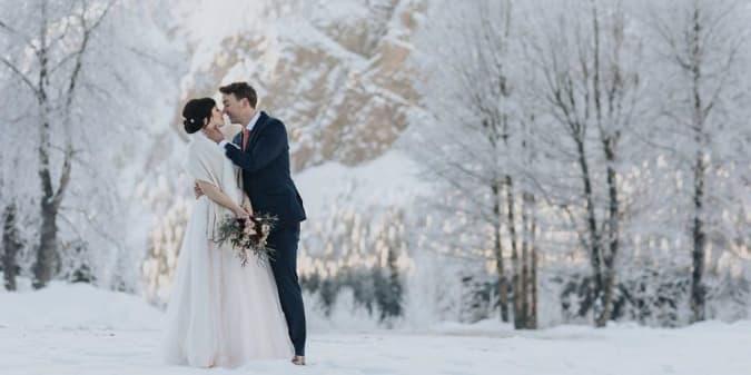 Tips Mengadakan Pernikahan di Luar Negeri Saat Bersalju