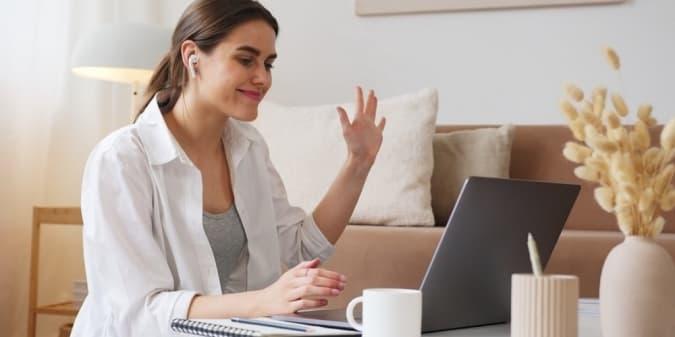 8 Tips Agar Tampilan Kamu Lebih Menarik Di Zoom Meeting