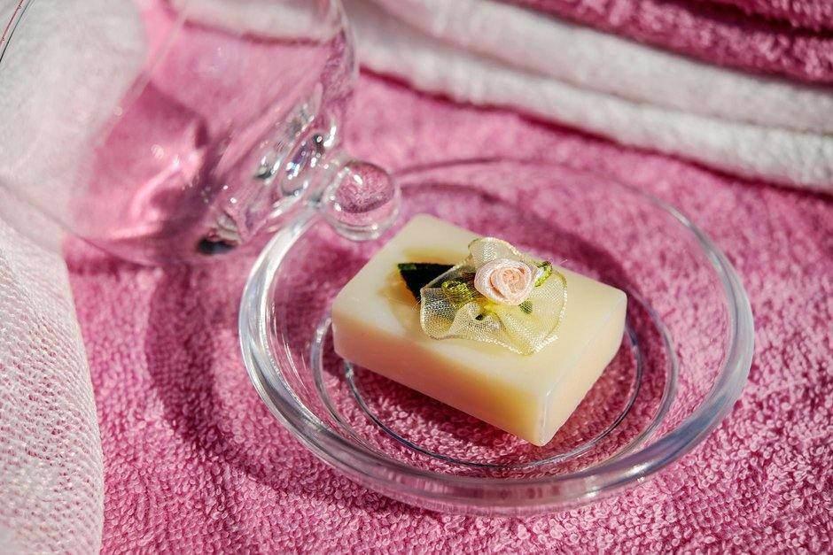 6 Rekomendasi Parfum Padat untuk Aroma Lembut Sehari-hari