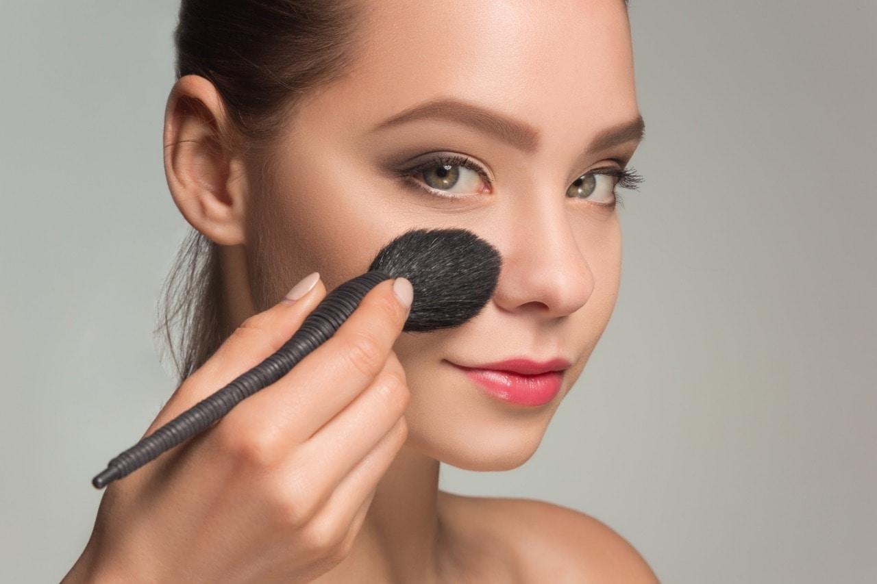 Cara Membersihkan Kuas Makeup Agar Tidak Mudah Rusak