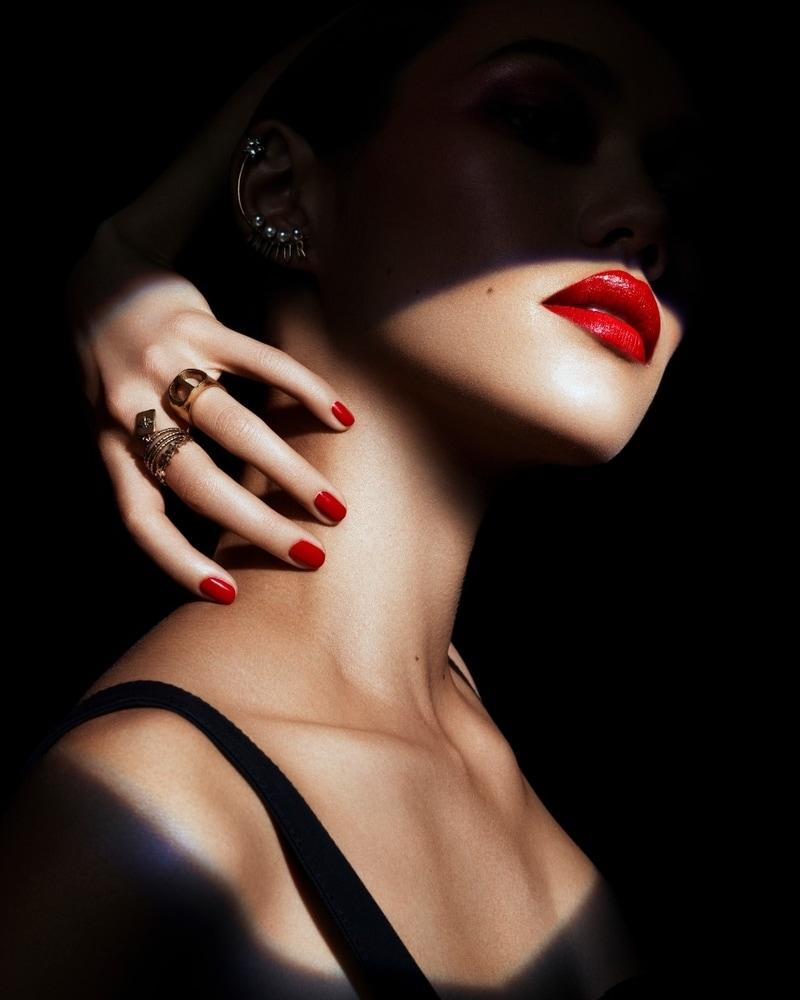 Inspirasi Makeup Halloween yang Elegan dari Dior